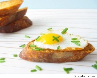 Fried quail eggs on crostini - Slashfood | Recipes | Pinterest | Quail ...