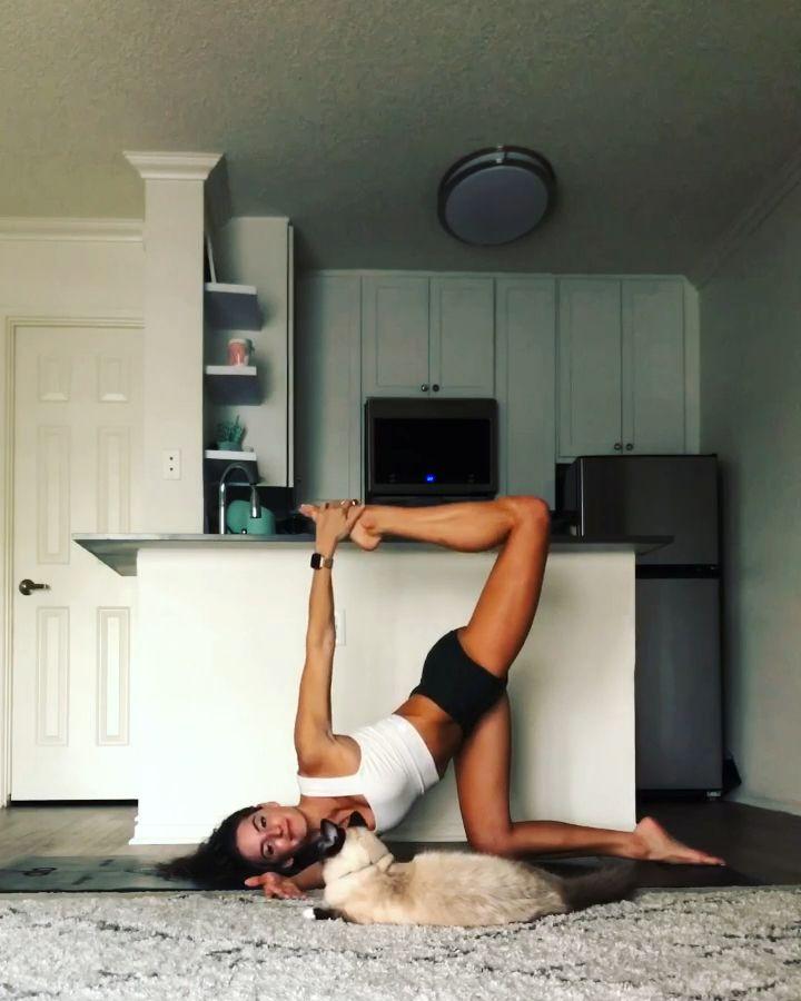 Home yoga practice @yoga_ky  – Luise Laufeyson