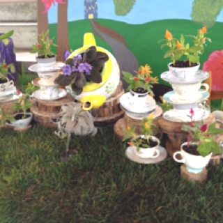 alice in wonderland garden from the university of illinois horticulture clubs moms day flower - Flower Garden Ideas Illinois