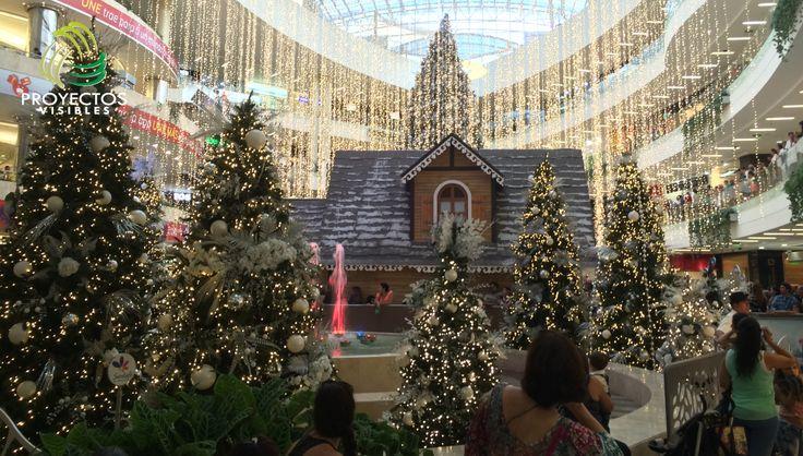 Decoración e iluminación de navidad a gran formato para centros comerciales.