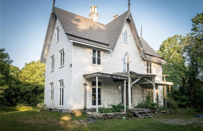 1848 Gothic Revival Fixer Upper In Rhode Island Captivating Houses Gothic House Old Houses Abandoned Houses