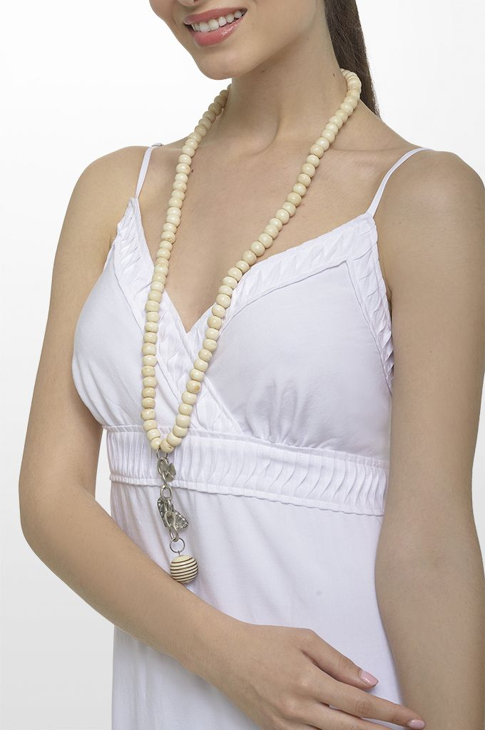 Sarah Lawrence - maxi dress, long layer necklace.