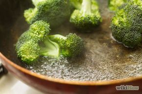 How to steam broccoli without a steamer or microwave