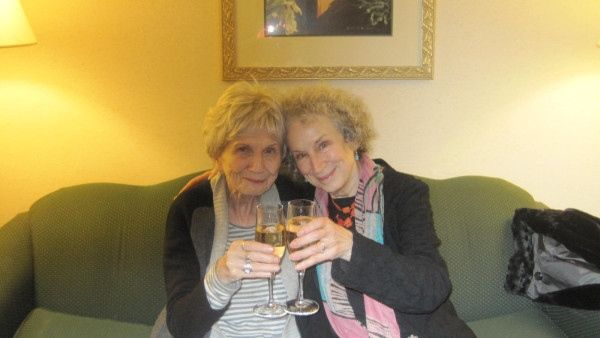 Awesome people hanging out together - Alice Munro and Margaret Atwood
