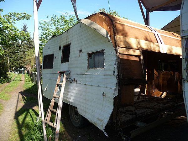 Repurpose An Old Rv Trailer Cozy Spaces Pinterest