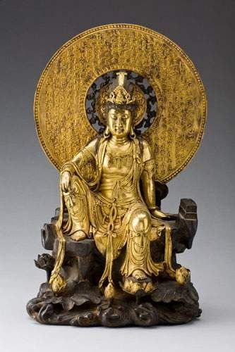 Gilt bronze figure of a seated Guanyin. China, Qing dynasty, probably 18th/19th century