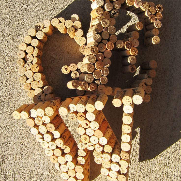 DIY : Wine Cork letters. Cool gift idea I may new next