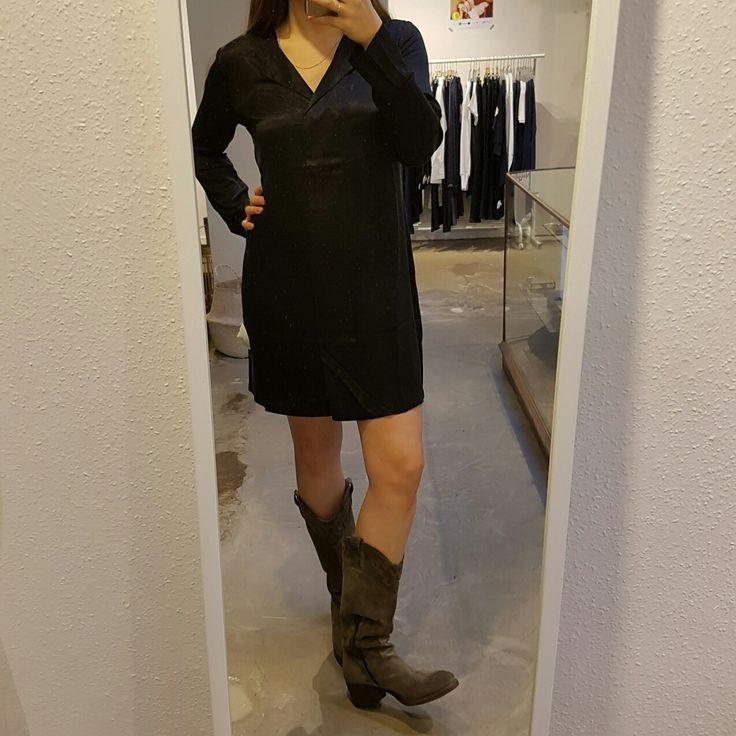 *FASHIONSALE*  Zwart jurkje YaYa > van 79,95 voor 60 Laarzen Via Vai > 189,95  #vollers386 #oudegracht #utrecht #sale #fashionsale #dress #black #shoes #schoenen #zwart #jurk #show #beauty #blackdress #perfectdress #yaya #viavai #chique #feest #sinterklaas #kerst #christmass #party #shoppen #outfit