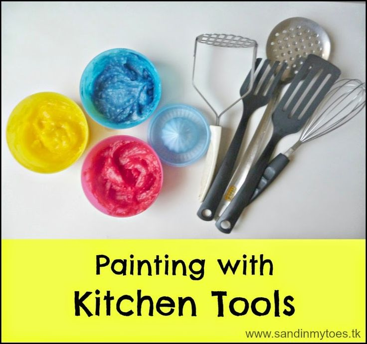 Try something different with your toddler! Make big art with your regular kitchen tools and home made paint. #toddleractivities #toddlerart #bigart