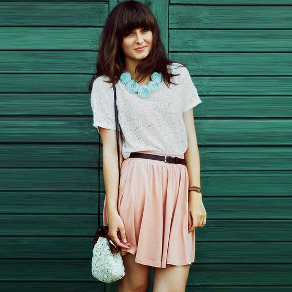 10 Perfect Spring Outfit Ideas :-http://fashiongoodtimes.com/10-incredibly-stylish-looks-for-spring