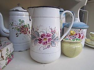 OH-SO-PRETTY-Antique-Vintage-French-Enamelware-Floral-Jug-Pitcher-Romantic