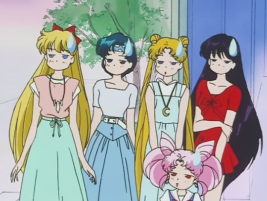 Sailor Moon fashion is so on point. :) Also, gotta love a perfectly executed sweatdrop.