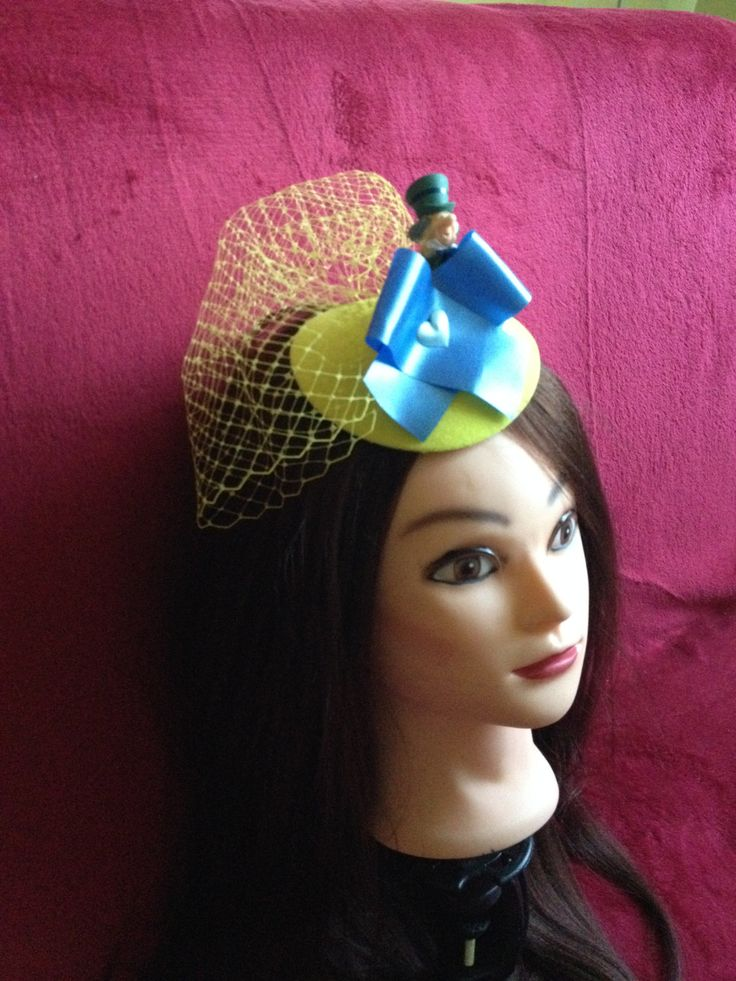 Gorgeous hat Mad Hatter - Alice in Wonderland, sunny yellow and blue hat. #Minihat #veil #Carnival #Halloween #Christmas #ValentineDay #NewYear #costumeparty #minihats #Alice #AliceintheWonderland #MadHatter