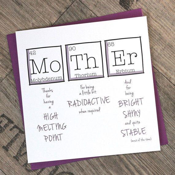 Quadrat zum Muttertag oder Geburtstagskarte mit dem Wortlaut  Mutter. Danke für einen hohen Schmelzpunkt haben, dafür ein bisschen radioaktiv, bei Bedarf und als hell, glänzend und sehr stabil (die meiste Zeit). Eine unterhaltsame Wissenschaft inspirierte Karte, ideal für Muttertag.  Details: Die 148mm (5,8) Quadrat Grüße, die auf qualitativ hochwertige Karte aufgedruckt ist Spezialist Karte durch eine umweltfreundliche Drucker weiß und ist in einer Cellophan-Hülle mit einem lila Quadrat…