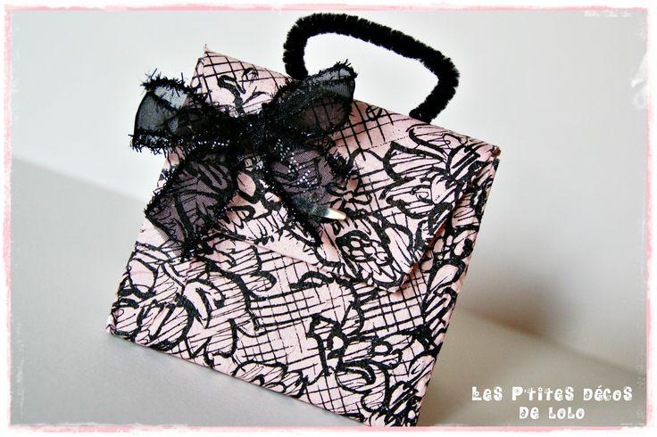 Pochette cadeau sac à main avec une brique de lait