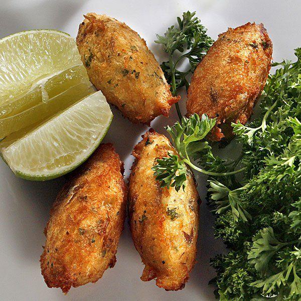Croquetas de pescado. Descubre nuestra receta en http://www.consumo.com.co/eventos-y-ofertas/recetario-cuaresma/