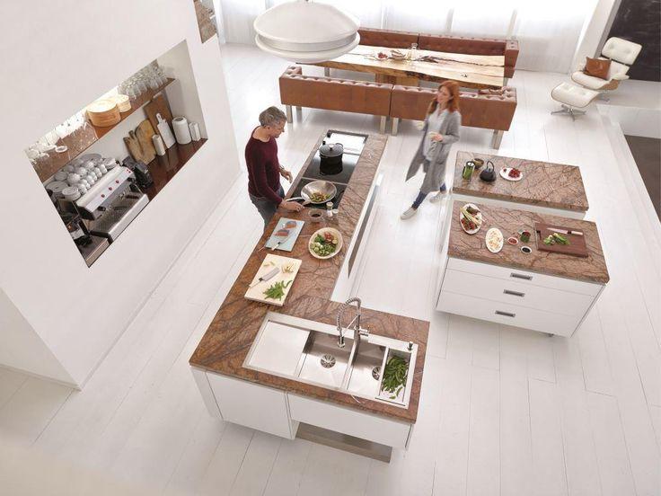 #Biel, #drewno, #kamień, dużo przestrzeni, To kuchnia marzeń. Z #BLANCO #ZEROX 8 S-IF i baterią BLANCO Master-S Semi-Profi. Foto: BLANCO