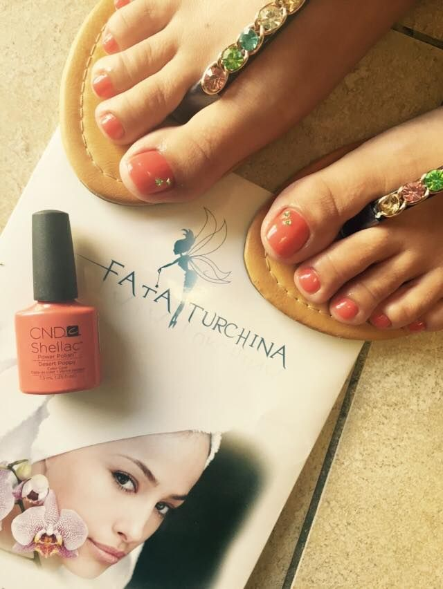 #pedicure #shellac #desertpoppy