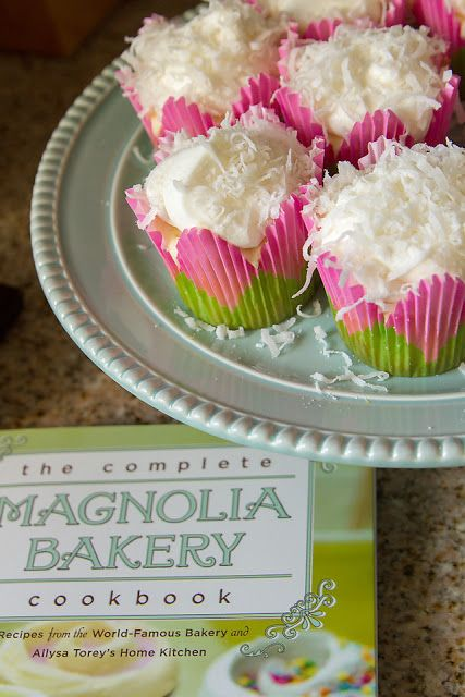 Lady By The Bay: Lemon Coconut Cupcakes