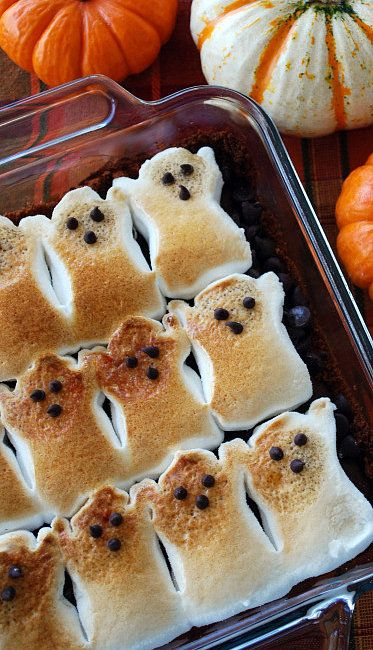 Brownie S'mores: Ghost-shaped Peeps make these brownie s'mores from Home Is Where the Boat Is easy to make, and they're perfect for Halloween! Source: Home Is Where the Boat Is