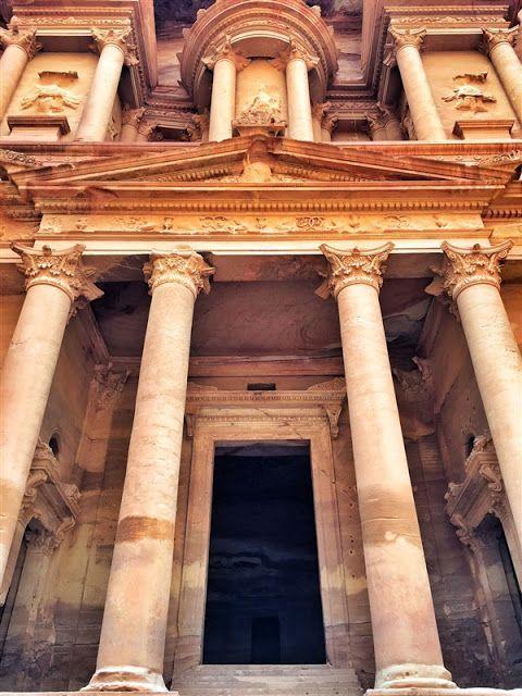 Petra in Jordan - the lost city: