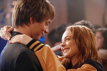 Johnathan Bennett and Lindsay Lohan as Aaron & Cady from Mean Girls (2004)