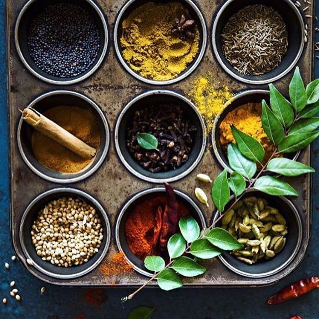 What a beautiful sight, we hope you have enough spice to get you through the rest of the week ❤️🌶️️🌱 Happy Tuesday! #IndianSpices