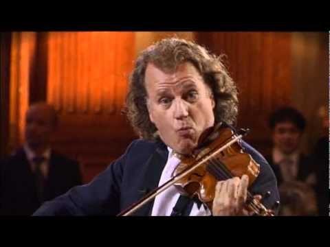 """Ne-am deprins cu valsurile clasice ale compozitorului Johann Strauss. Însa la finele anului 2011 a fost o descoperire extraordinară la audierea unui vals nemaipomenit, compus de o personalitate contemporană nouă. Oare era posibil ca un actor care joacă roluri negative în câteva filme (chiar oribile ca """"Tăcerea mieilor"""", """"Hannibal"""", """"Dragonul roş..."""