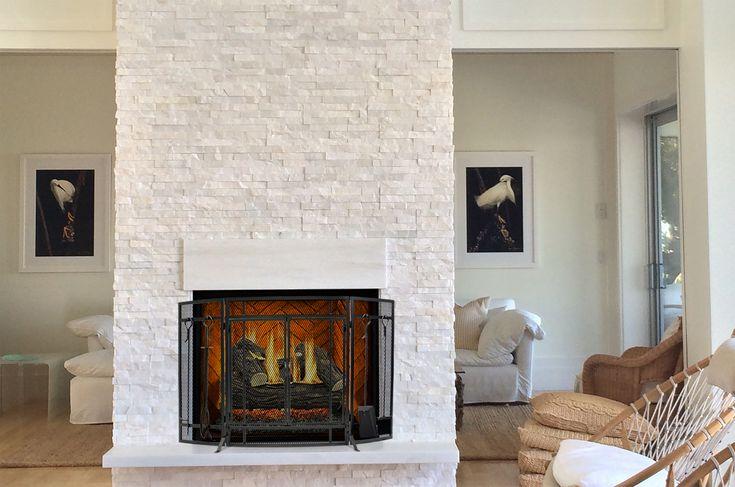 Keep it all together with this fireplace screen and tool set combo. Its classic details evoke an arts and crafts feel that will appeal to anyone with traditional, transitional or classic tastes.