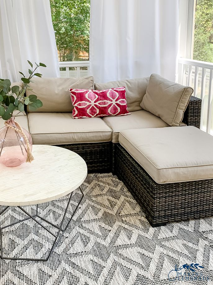 25 Clever Cleaning Organizing Hacks Using Shelf Liners Outdoor Couch Cushions Organization Hacks Throw Pillow Inspiration