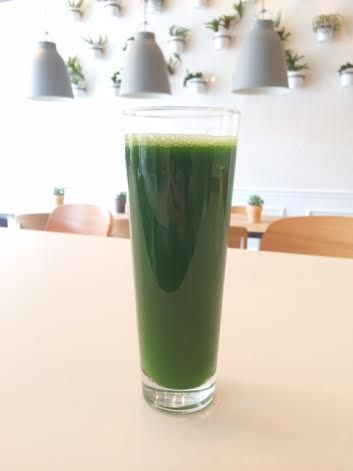 Sweet and Simple Green Juice  2–3 celery stalks 1/2 lime, peeled 1/3 cucumber Handful spinach Small bunch green grapes Pinch of salt (prefer...
