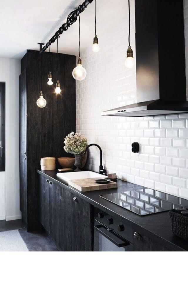 17 meilleures id es propos de lampes suspendues for Lampe suspendu noir