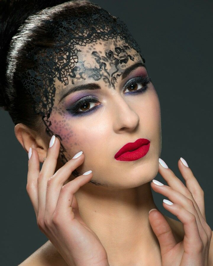Lace makeup Fot. Maciej Wróbel Modelka: Milena Retusz: Aleksandra Wiejcka MUA&hair: Agnieszka Kwiatkowska