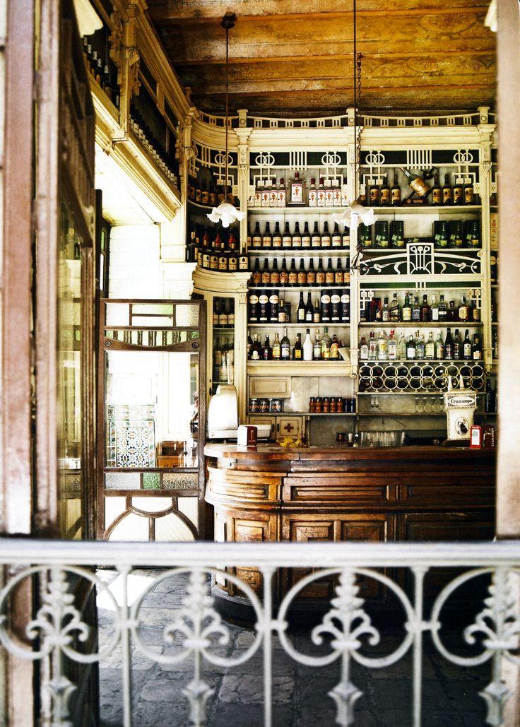 El Rinconcillo   Sevilla de oudste tapasbar( sinds 1670) Plaza de los terceros.  Spain