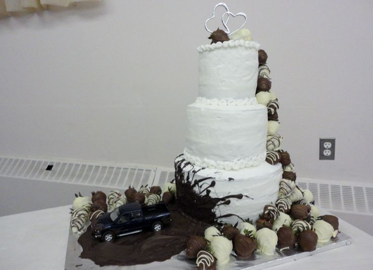 Mudding Wedding Cakes On Wedding Cakes With Mud Trucks And Pinterest 16 #19826 The best Wedding image gallery ideas in the world  | kibuck.com