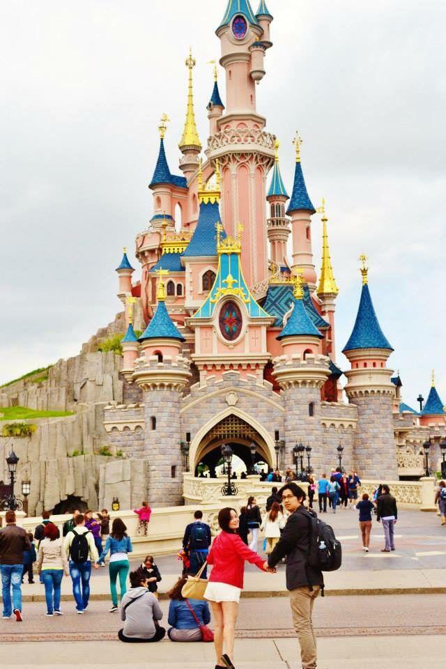 Disneyland Paris DIY engagement shoot
