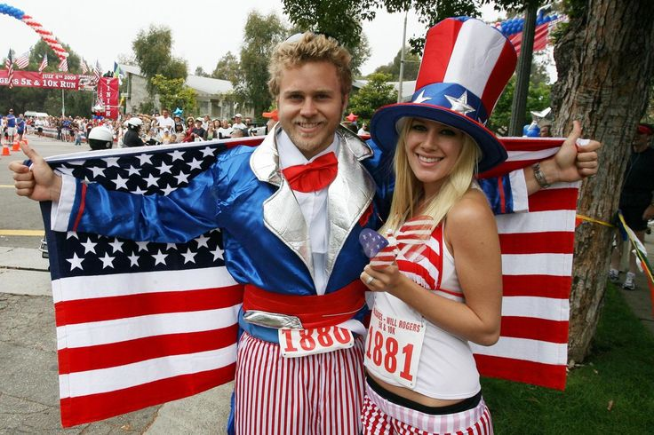 Heidi and Spencer Pratt take part in the 32nd Palisades 10K Charity run on Independence day, 2009.