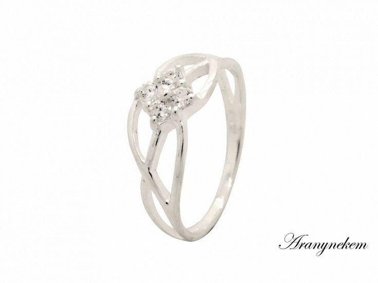 Fehér cirkónia köves virág motívumos ezüst gyűrű