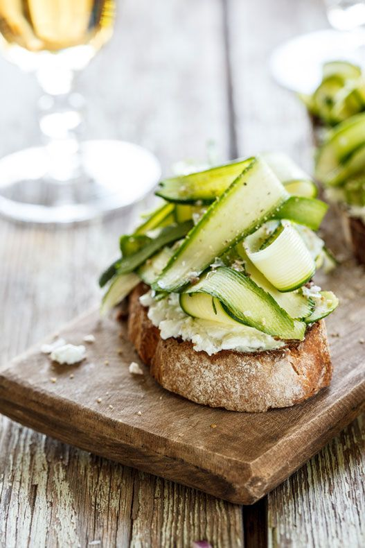 zucchini and goat's cheese bruschetta