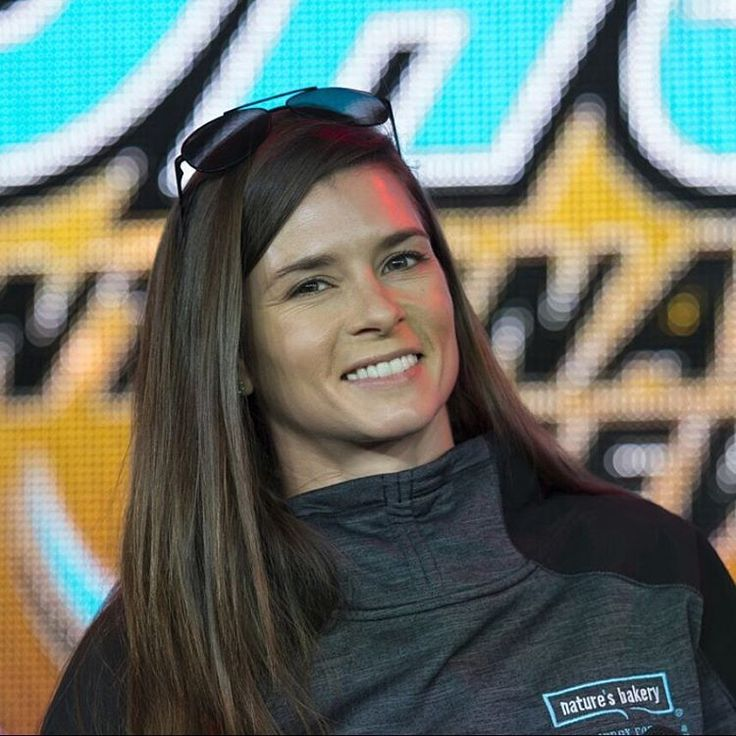 Happy #figbarfriday! On track action @kansasspeedway today: Practice 1: 1:00 PM, ET (NBCSN) Qualifying: 6:15 PM, ET (NBCSN) #godanica #nascar #danicapatrick #danicapack