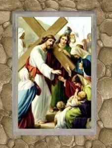 """Riflessioni di don Tonino Bello sulle stazioni della """"Via Crucis"""" La croce è per noi il ricordo della passione, morte e risurrezione del Signore nostro Gesù Cristo. Segno di dolore e di apparente sconfitta, ma è soprattutto segno di vittoria sul male e sulla morte, #viacrucis #dontoninobello #gesù"""