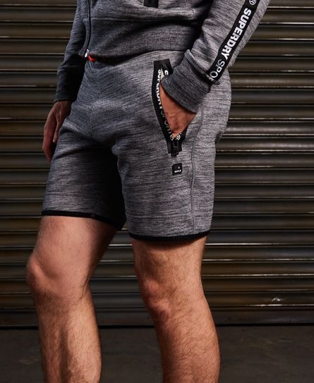 Superdry Schmal geschnittene Gym Tech Shorts Hellgrau