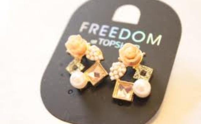 Freedom earrings by topshop