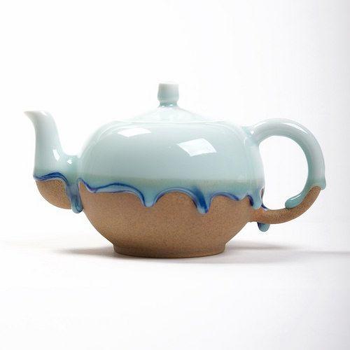 Teapot by Mrs Zhang Shui Mo
