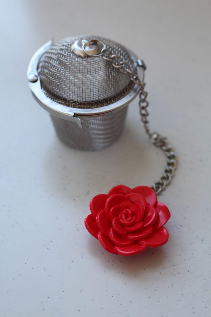 Filtre à thé,fleur camélia rouge, petite marmite : Cuisine et service de table par ludifimo