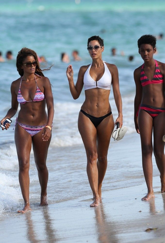 nicole murphy and daughter zola murphy on the beach in