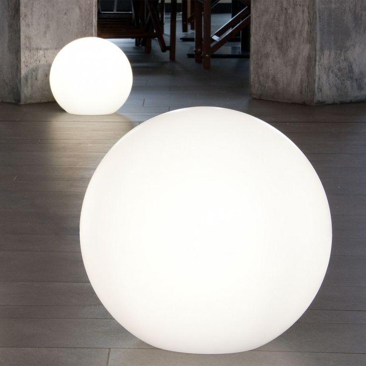 Good Minimalist Forms For Outdoor Illumination