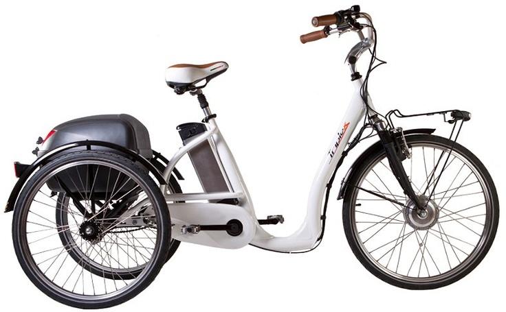 Triplex la bicicletta elettrica a 3 ruote il mezzo for Bicicletta per tre persone