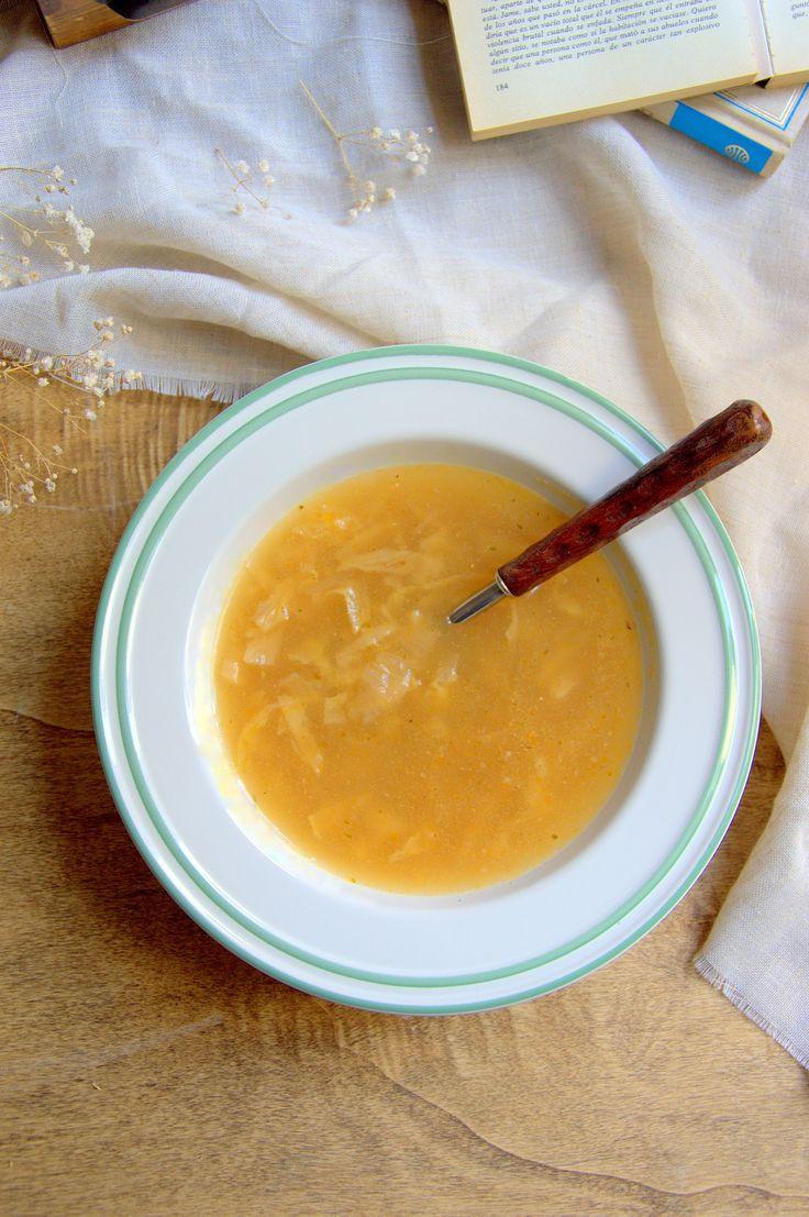 Sopa de col, receta sencilla impescindible en invierno