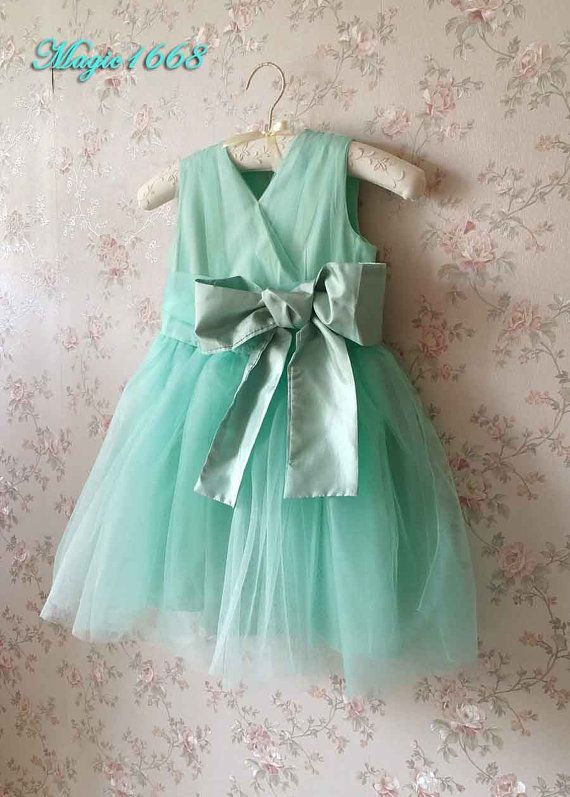 * Welcome to Magic1668! *  *****Any problem about items, kindly let me know. Id love to help.*******  This is a very lovely Tutu Dress / Flower